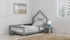 Bett für einen Teenager